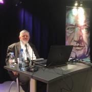 Prof. Michał Piotr Mrozowicki w trakcie dyskusji po wykładzie
